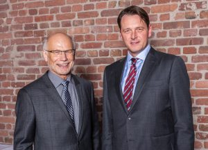 Generationenwechsel: Dieter Roxlau (links) übergibt die Hauptgeschäftsführung ab 1. Januar 2017 an Dr. Johann Quatmann. Bild: Erik Spilles