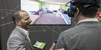 Digitale Tools wie Kundenberatung via VR-Brille konnten die Besucher auf der FAF selbst ausprobieren (© GHM) Stand: Caparol, Halle 6